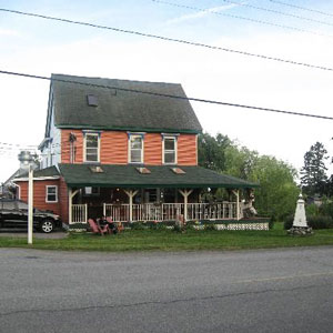 Salmon River Bed & Breakfast